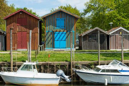 Baia di Arcachon, Francia. Il porto peschereccio di Biganos Archivio Fotografico - 90628172