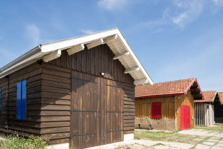 アルカション湾 (フランス)、ヒュームの港、グジャン メストラ、アルカション近くの牡蠣小屋 写真素材