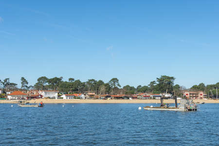 Arcachon Bay, France. The oyster village of The Canon, close to the Cap Ferret Banque d'images - 98211980