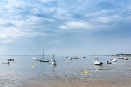 Arcachon Bay, France, boats at low tide Banque d'images - 103502928