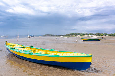 Arcachon bay, France, boats at low tide Banque d'images - 103502934