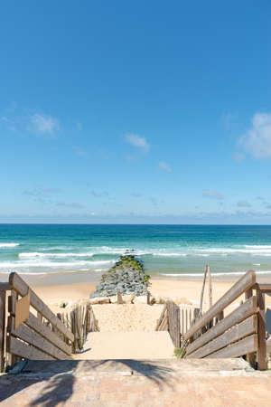 Lacanau, Atlantic Ocean, France. Access to central beach Banque d'images - 103502992