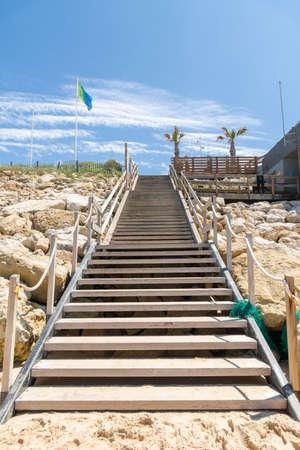 Lacanau, Atlantic Ocean, France. Access to central beach Banque d'images - 103502993