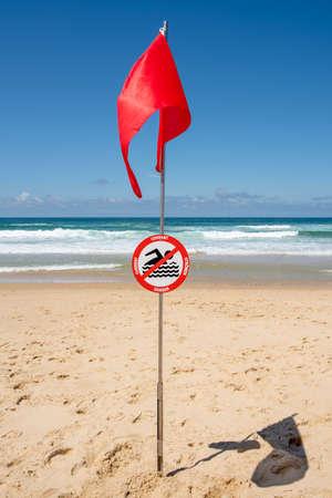 Lacanau, Atlantic Ocean, France, 'no swimming' sign Banque d'images - 103502995