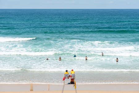 Lacanau, Atlantic Ocean, France. Lifeguards on the central beach Banque d'images - 103503013