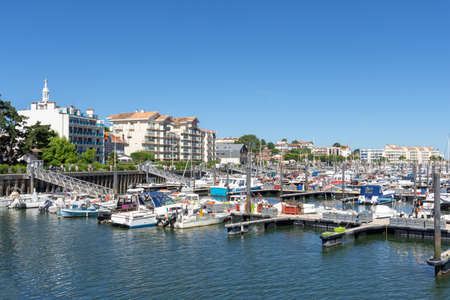 Arcachon, France. The marina Banque d'images - 104593522