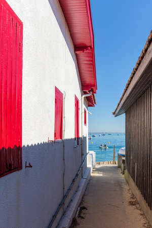Arcachon Bay, France. Fishers house in the village of 'The Grass' Banque d'images - 114913342