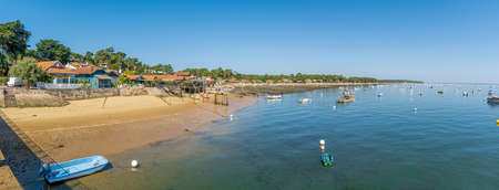 Arcachon Bay, France. The oyster village of The Canon Banque d'images - 115269672