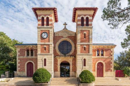 Arcachon, France. The church Notre Dame des Passes Banque d'images - 118161645