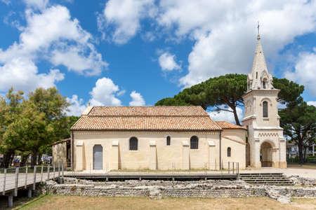 The church of Andernos on the Arcachon Bay 免版税图像