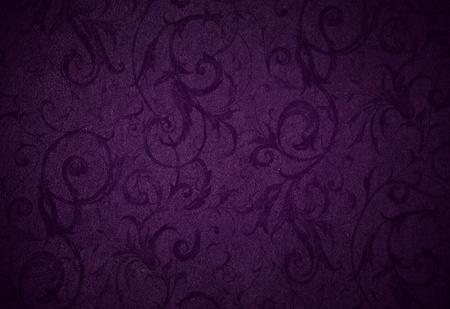 ciruela: elegante textura remolino p�rpura real o de fondo con hermosas flores y rizos vid y patrones sutiles y Vignette Foto de archivo