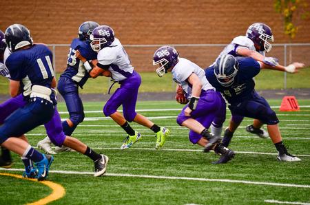scrambling: Quarterback scrambling con il calcio