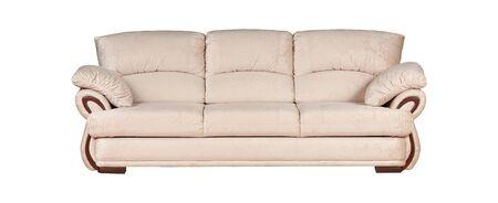 Sofá beige aislado sobre fondo blanco.