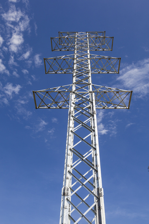 postes: Power transmission tower wireless