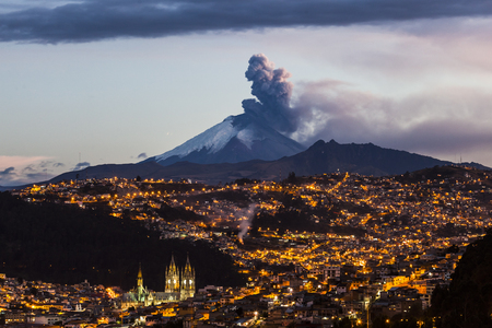 Cotopaxi volcano eruption seen from Quito, Ecuador Reklamní fotografie - 62191960