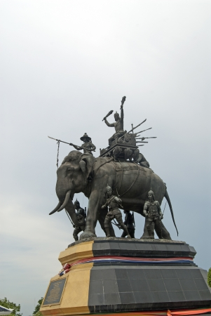 extol: king Narasuan monument in Ayutthaya, Thailand