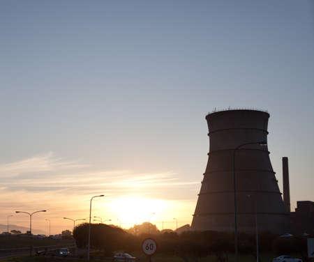 nuke plant: Reactor nuclear torre de enfriamiento, Ciudad del Cabo, Sud�frica