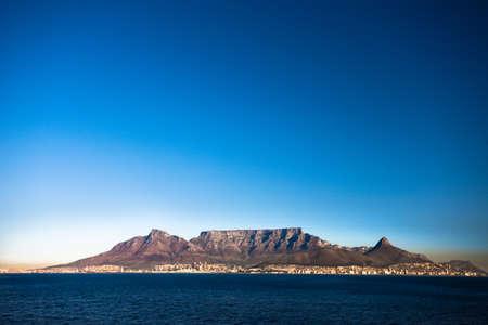 tabla de surf: Table Mountain, Ciudad del Cabo, Sud�frica