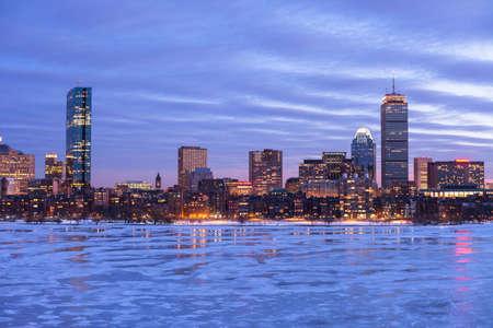 Back Bay van Boston met de Charles River bevroren