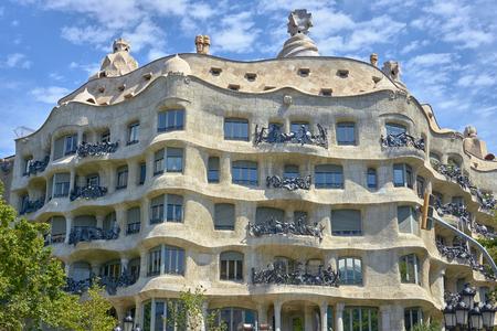 Casa Mila (La Pedrera) by Antoni Gaudi. Barcelona, Spain. 스톡 콘텐츠