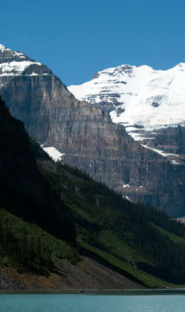 louise: Banffs Lake Louise in the spring