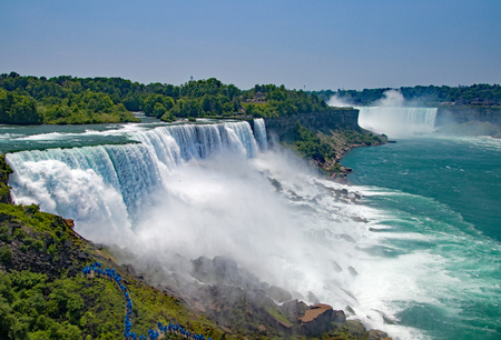 Niagara Falls in New York and Canada Stock Photo - 112285609