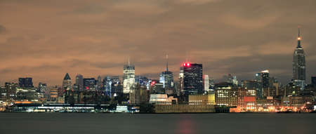 Panoramic photo of Manhattan as viewed from New Jersey before dawn. Stock Photo - 10333329