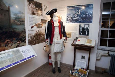 american revolution: BROOKLYN, NEW YORK, USA - NOVEMBER 22: A mannequin wears a British Revolutionary war uniform inside the Old Stone House.  Taken November 22, 2015 in NY.