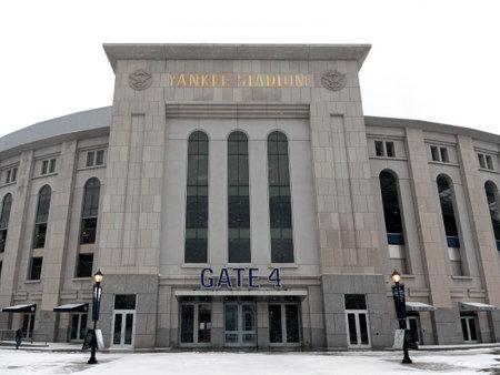 bronx county: BRONX, NEW YORK - FEBRUARY 19: The new Yankee Stadium during snow season.  Taken February 19, 2015, in the Bronx,  New York.