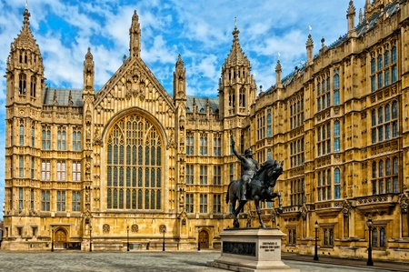 Richard I statue outside Palace of Westminster, Houses of Parliament  London, UK