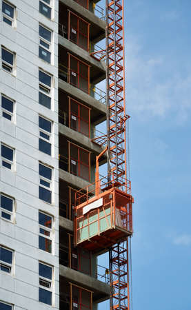 hijsen: Bouw hijsen heffen van een belasting op een bouwplaats