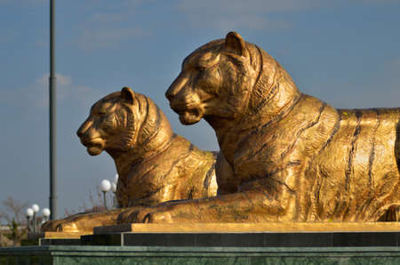 sufi: Statues of two tigers located near the Registan Ensemble in Samarkand. Republic of Uzbekistan Stock Photo