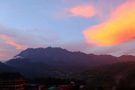 Mount Kinabalu at sunset - Borneo Malaysia Asia 版權商用圖片