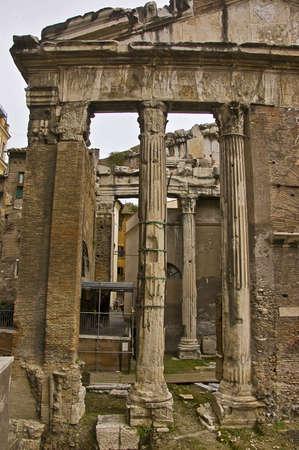 columnas romanas: columnas romanas e ruinas, Roma