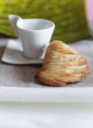 croissant and coffee cup at breakfast 版權商用圖片