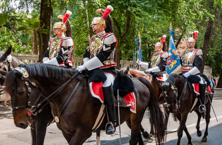 arma: ROME - JUNE 01: the traditional Carabinieri Band, Corazzieri, have a parade on June 01, 2014 in Rome, Italy
