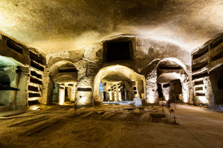 NAPLES, ITALY -MARCH 31, 2012: inside the Catacombs of San Gennaro in the heart of city of Naples, Italy 新聞圖片