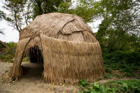 A Wampanoag Indian hut at Plimoth Plantation in Plymouth, MA. 스톡 콘텐츠