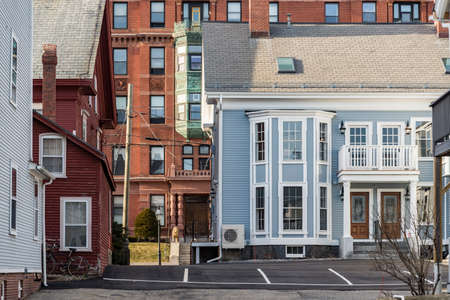 Colored and historic houses in Portsmouth, New Hampshire, USA. Imagens