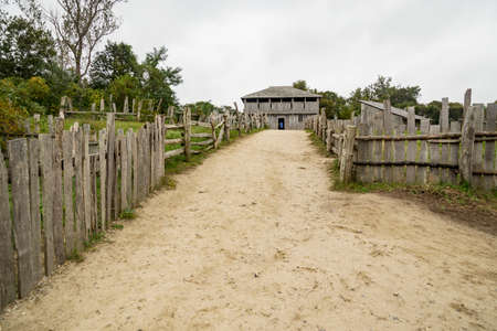 Old buildings in Plimoth plantation at Plymouth, MA. It was the first Pilgrims settelment in nord America. 免版税图像 - 132052015