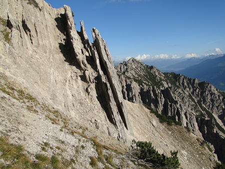rock layers: Vertical rock layers in Bavarian alps
