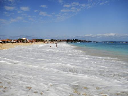 emty: Waves breaking on emty tropical beach