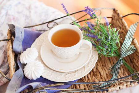 Tasse de thé aux guimauves