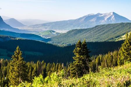 クレステッド ビュート Co に向かって探して Mt はげ頭からマウンテン ビスタ 写真素材