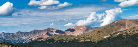 Vista of mountains and sky in Rocky Mountain National Park in Colorado Reklamní fotografie