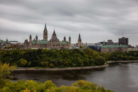 Ottawa, Ontario, Canada - September 30, 2018: Scenic view of Downtown Ottawa and the Parliament of Canada. Editoriali