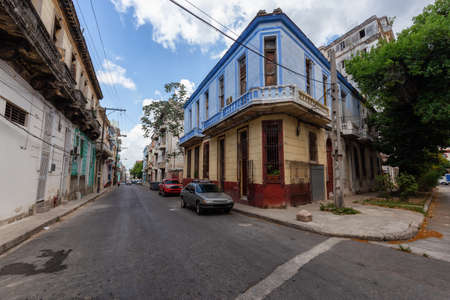 Residential Street view of the Old Havana City, Capital of Cuba, during a bright and sunny day. Banco de Imagens