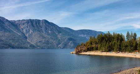Scenic View of Kootenay Lake. Sunny Fall Season Day. British Columbia, Canada. Standard-Bild