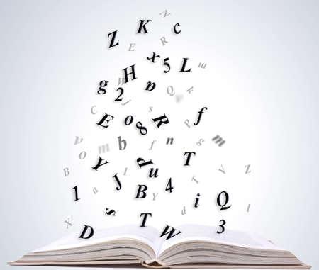open boek op een witte achtergrond Stockfoto