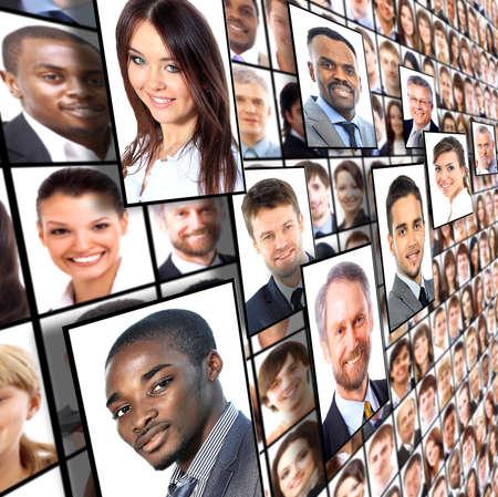 collage caras: Muchos de los retratos aislados de personas Foto de archivo